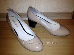 Туфли Антонио Биаджи натур бежевый лак 39 размер на стопу 24, 5-25 см