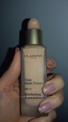Тональный крем Clarins Teint Haute Tenue