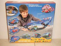 Micro Трек Cars от Mattel Микродрифт Cars Drifters Super Speedway Playset