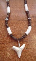 Ожерелье зуб акулы Мако коричневое с белым