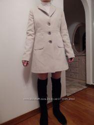 Пальто-Пиджак Италия 50шерсть Черн. 38 бел. 40, 44 р-р