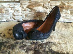 Шикарные туфли BCBG Max Azria натур кожа оригинал 37 размер