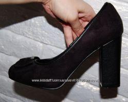 Туфли черные Fiore 38 р-р стелька 24 см как новые