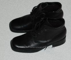 Ботинки черные Кожа 37 р-р 23. 5 см утепленные