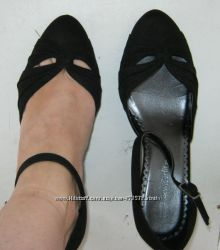 Туфли босоножки  на танкетке Marks & Spencer черные 37. 5 р-р