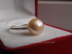 Кольцо серебро и крупный розово-персиковый жемчуг 11 мм.