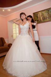 Продам очень красивое свадебное платье цвета айвори