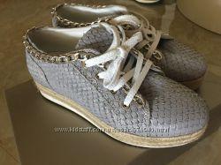 Кожаные модные кроссовки
