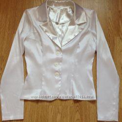 Белая блузка и белый жакет