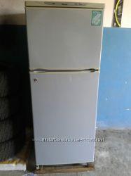 Двухкамерный холодильник Днепр с компрессором от Electrolux