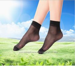 Носочки капроновые прозрачные.