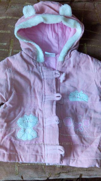 Тепленькое розовое пальтишко в очень хорошем состоянии на 9-12 месяцев