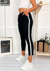 Черные укороченные котоновые брюки с лампасом весна лето
