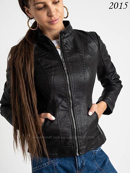 Стильная женская куртка пиджак из кожзама с воротником стойкой демисезонная