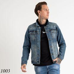 стильная мужская джинсовая куртка с потертостями
