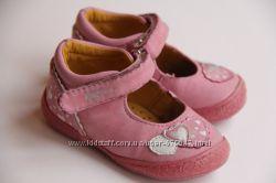 Туфли кожаные на девочку из Англии 22 размер стелька 14 см