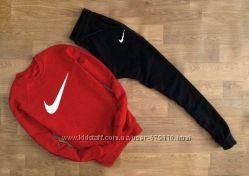 Спортивные костюмы . Разные цвета и бренды.