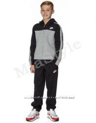 Классика для подростка от Nike. Разные цвета и модели.