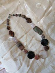 Ожерелье бусы колье 53 см натуральные камни яшма халцедон кварц