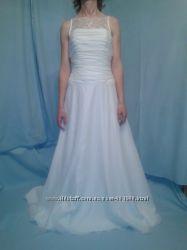 Это платье украсит вас в самый не забываемый день  размер eu 36  ru 44