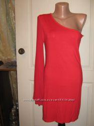 Платье красное нарядное