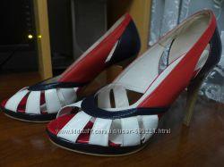Кожаные яркие туфли, 37 размер