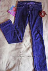 Классические джинсы средней посадки фирмы J. Zone