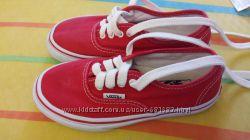 Детские кеды красные Vans оригинал в идеальном состоянии 28 размер 18, 7 см