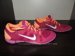 Кроссовки Nike р 37 состояние новых