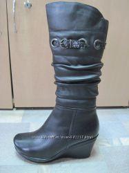 Зима. Полная распродажа кожаной обуви.