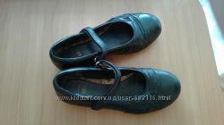 Чёрные фирменные туфли, Clarks. Размер 34.