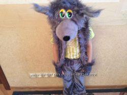 Праздничные костюмы волка  и зайчика в отличном состоянии