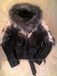 Стильная необычная кожаная куртка с мехом LXL