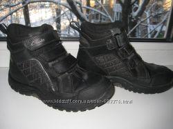 Кожанные демисезонные ботинки Clarks р. 29  18. 5см . Gore-Tex