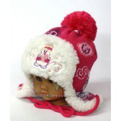 Очень теплая и красивая шапочка девочке 1-3 лет
