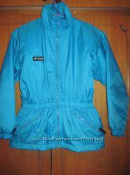 Демисезонная курточка Columbia . р. 140 10-13 лет