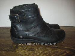 Кожаные демисезонные ботинки Clarks р. 7М