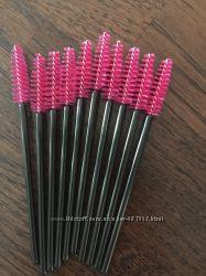 Щеточки для расчесывания нарощенных ресниц. Черно-розовые