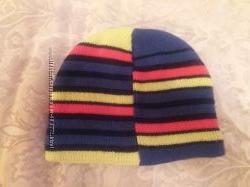 Яркая стильная шапочка Ruum на флисе