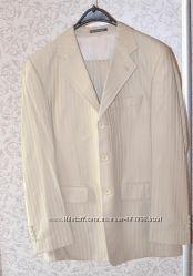 Мужской костюм, цвет слоновой кости, р-р 50 на рост 180-185