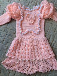 Персиковое Платьице ручной вязки