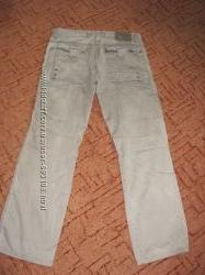 Две пари брюк на молодого человека 30-32 размер