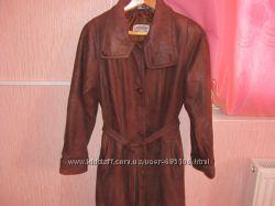 Шикарный кожаный коричневый плащ с мягкой телячий кожи от 46 к 50 с поясом