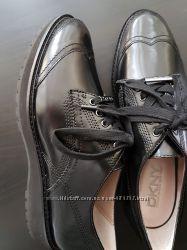 Шикарные  женские туфли дерби DKNY