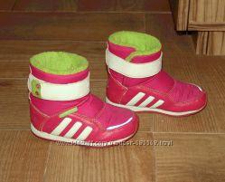 Зимние термо сапожки Adidas для девочки