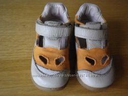 Весняне взуття для хлопчика в 22 розмірі
