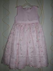 Нарядное платье в отличном состоянии