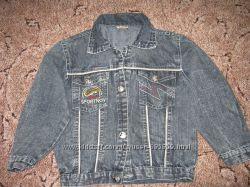 Джинсовая куртка для мальчика.