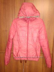 Куртка деми размер S.