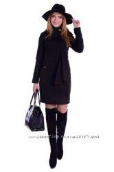 Шикарное демисезонное  классическое  пальто